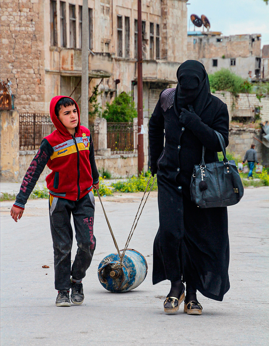 aleppo mother and son