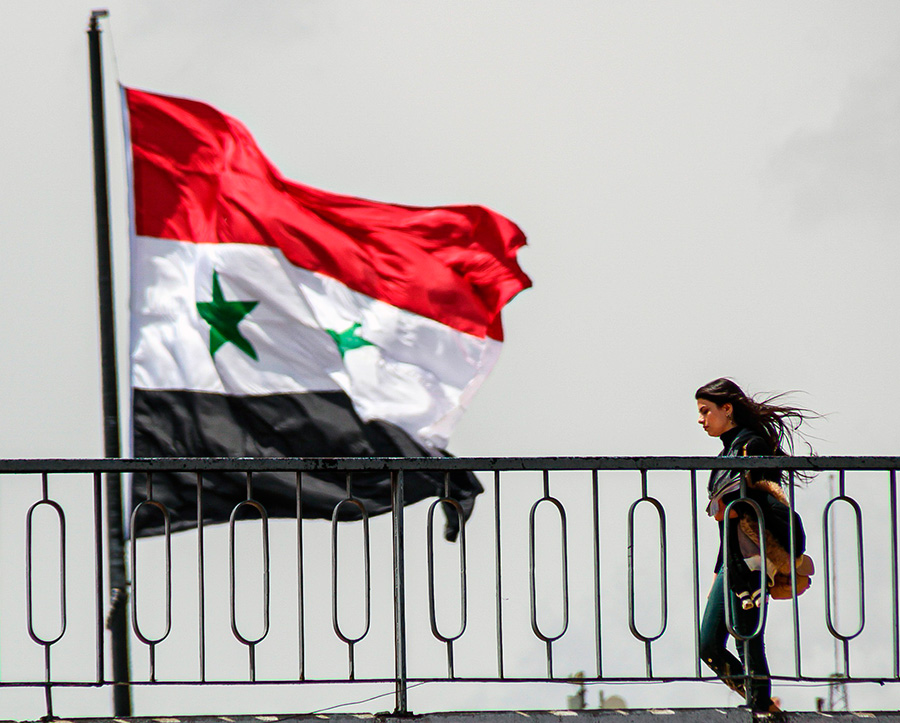 syria flag girl
